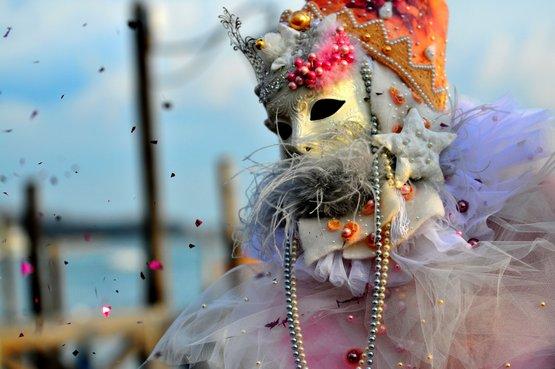 Maskelerin ardına sığınmış aşkların şehri Venedik