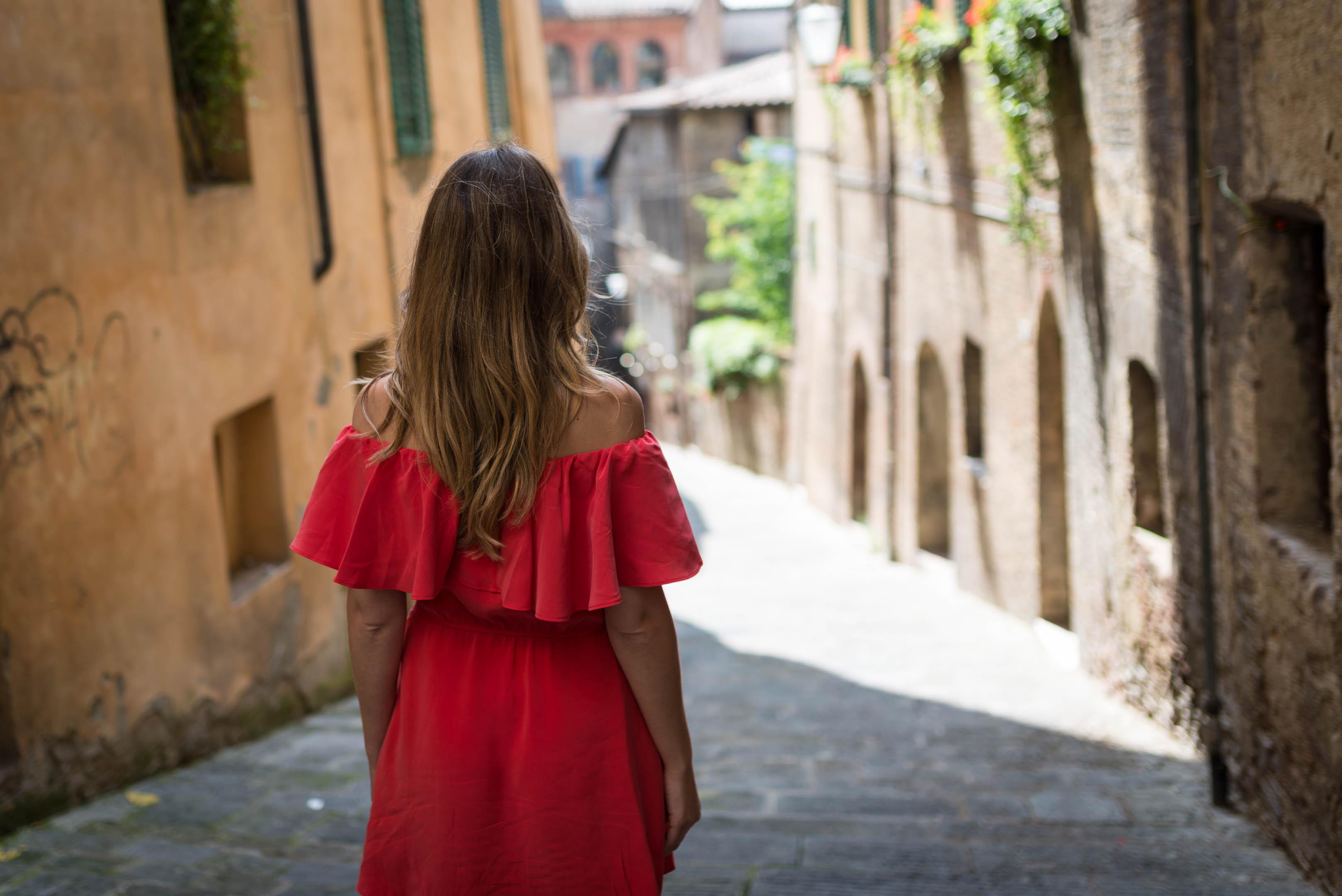 Elif, Siena